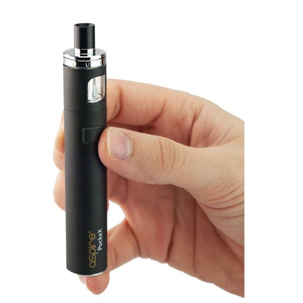 Aspire Pockex e-sigarett holdes i den ene hånden